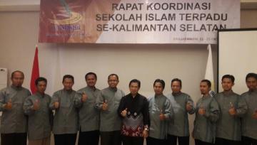 Walikota Banjarmasin Bersama Pengurus JSIT Kalsel di Penutupan Rakor SIT Se-Kalsel